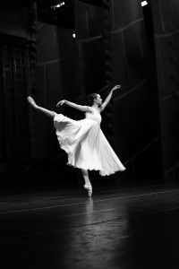 Sugar Plum Fairy in Nutcracker photo Tobias Regell